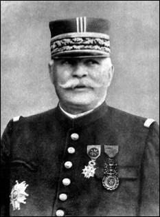 Qui est ce Joseph, général de division, généralissime en 1911, chef suprême des armée françaises (1914-1916) puis maréchal de France en 1916, mort en 1931 ?