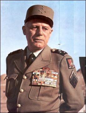 Qui est ce Raoul, général d'armée, il dirige plusieurs régiments coloniaux et participe aux guerres d'Indochine et d'Algérie. Il prend part au putsch d'Alger visant à garder l'Algérie française. Condamné à la prison à perpétuité, il est amnistié en 1968, mort en 1984 ,