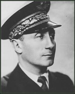 Qui est ce Martial, général d'armée aérienne, commandant des Forces françaises aériennes libres (1941-1944) puis chef d'état-major de l'Armée de l'air (1944-1946), mort en 1980 ?
