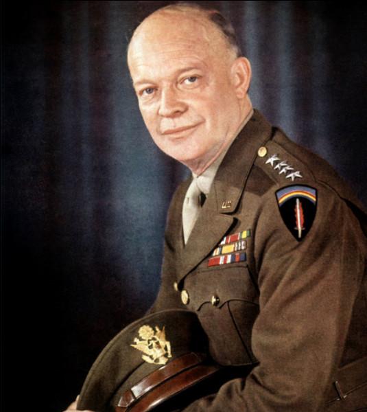 Qui est ce Dwight, chef d'état-major général des forces armées des États-Unis (1945-1948), commandant suprême des forces alliées en Europe (1951-1952), puis homme d'État, mort en 1969 ?