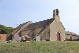 Nous terminons notre balade devant l'église Sainte-Madeleine de Varessia. Ancienne commune Jurassienne, elle se situe en région ...