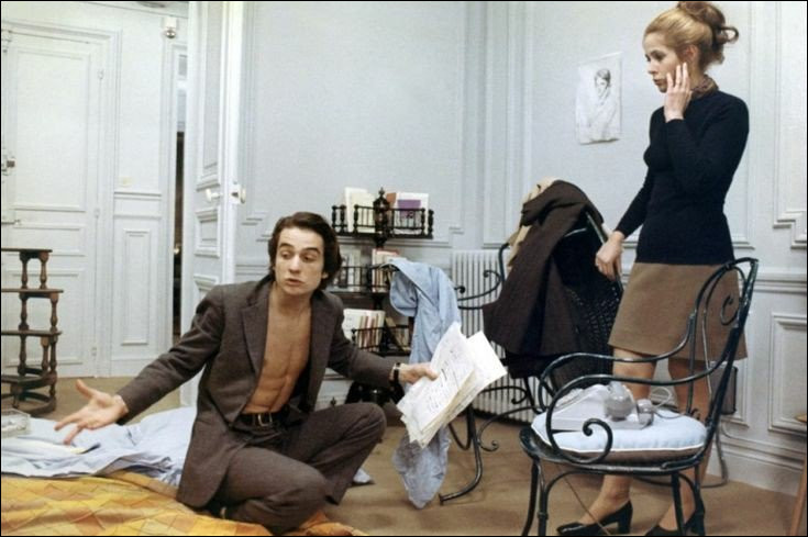 """Dans """"Domicile conjugal"""", Antoine Doisnel (Jean-Pierre Léaud) a épousé Christine Darbon (Claude Jade). C'est un film de / d' ..."""
