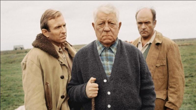 Dans ce film de Pierre Granier-Deferre, Auguste Maroilleur (Jean Gabin) est un riche fermier normand : c'est ...