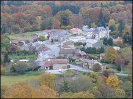 Nous sommes en Haute-Vienne, à Saint-Léger-la-Montagne. Village des monts d'Ambazac, dont le point culminant se trouve sur son territoire, se situe dans l'ex région ...