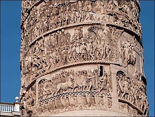 Les bas reliefs de la colonne Trajane sont une création originale de l'art Romain. Que représentent ces bas reliefs ?
