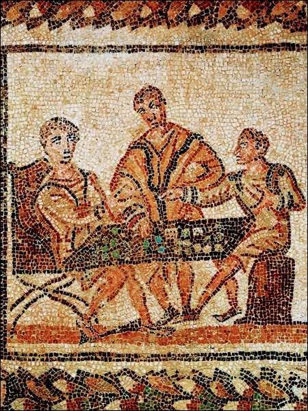 A la fin de l'empire Romain, un jeu de société, la Tabula Romana, devint populaire. De quel jeu de table actuel fut il l'ancêtre ?