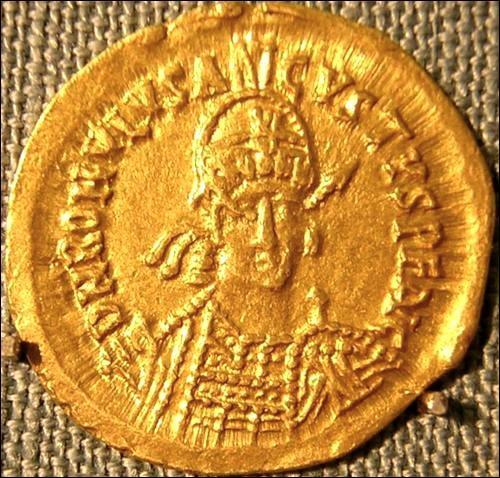 Qui fut le dernier empereur romain d'Occident ?