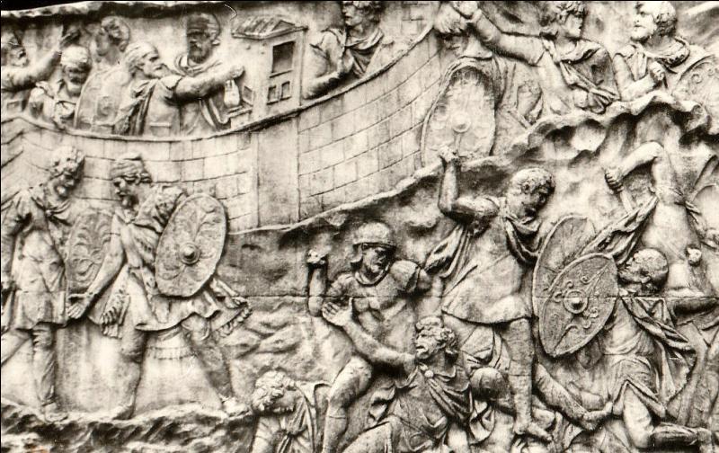 L'armée romaine était l'une des plus efficaces de l'antiquité. Elle fut réorganisée par un grand général romain de l'époque de la République. Lequel ?