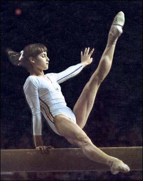Quelle est la gymnaste qui a révolutionné la gym féminine ?