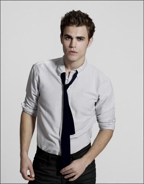 Pour quelle raison Stefan a-t-il voulu rencontrer Elena ?