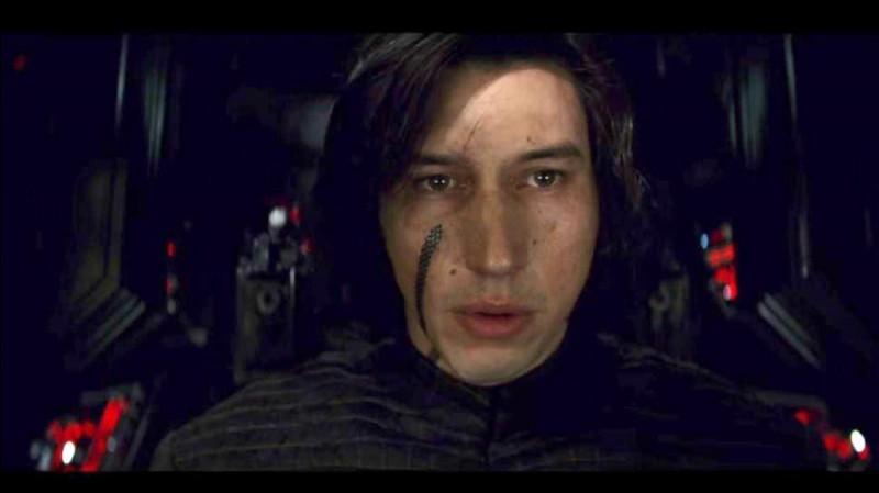 Comment s'appelle l'acteur qui joue le rô ; ; le de Ben Solo ?
