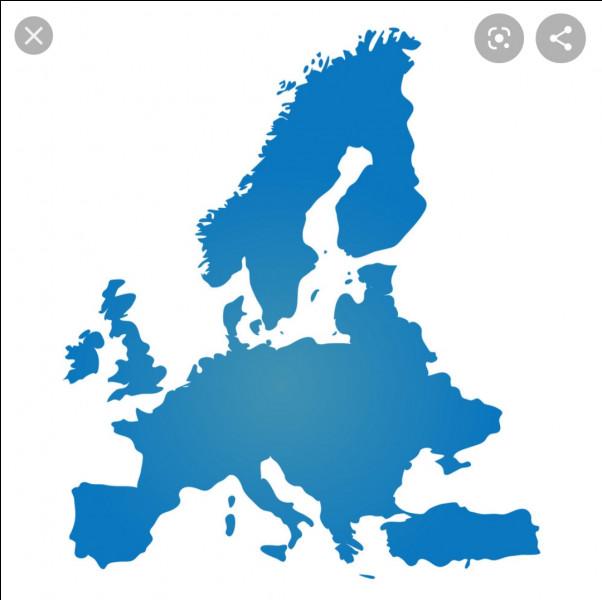 Durant quel siècle le bleu devient-elle la couleur préférée des européens ?