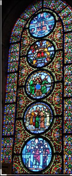 En 1130, pour la première fois, une église utilise le bleu pour ces vitraux. Dans quelle commune est cette église ?