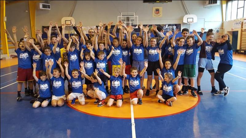 Lors du dernier Camp Basket organisé début Mars, combien de jeunes sont venus se perfectionner sur la session ?
