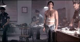 """En essayant de faire passer de la drogue, dans quelle ville le protagoniste est-il fait prisonnier dans le film """"Midnight express"""" d'Oliver Stone ?"""