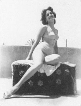 """1954 > Quelques mois avant de devenir """"Miss Égypte"""", Iolanda avait remporté un autre titre : lequel ?"""