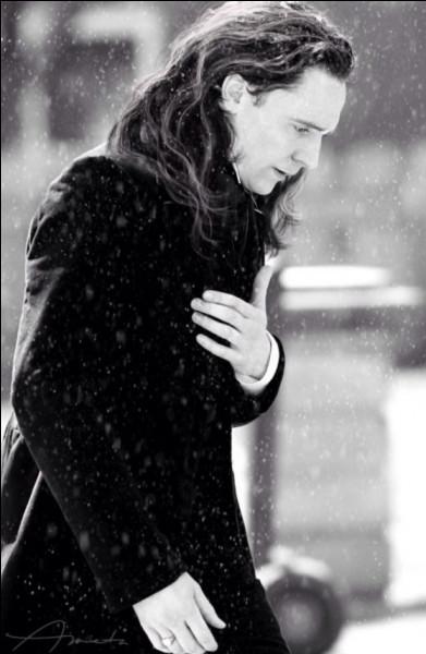 Quel était le but de Loki en allant à Ásgard avec les filles ?