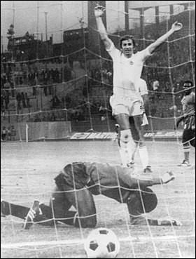 Quelle équipe africaine a encaissé un total de 14 buts lors de la Coupe du monde 1974, dont 9 contre la Yougoslavie ?