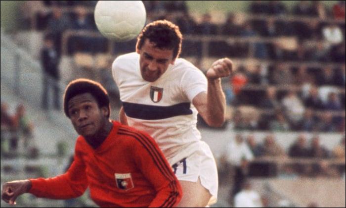 En 1974, quelle équipe caribéenne a perdu ses 3 rencontres de poule face à la Pologne, l'Argentine et l'Italie ?