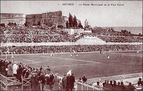En 1938 en France, contre quelle équipe Cuba perd-elle en quarts de finale sur le score fleuve de 8 buts à 0 ?