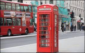 Quelle combinaison de chiffres doit-on composer pour entrer au ministère de la magie par la cabine téléphonique ?