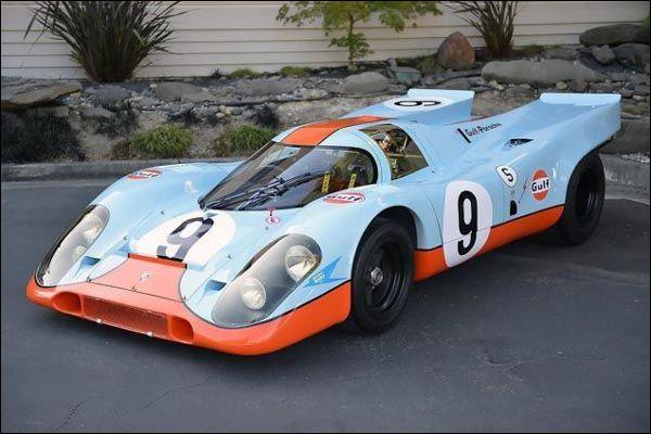 Quelle est la livrée de cette Porsche ?