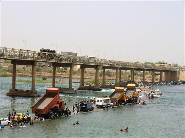 Quels sont les deux grands fleuves qui arrosent le Mali ?