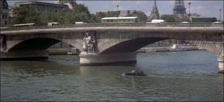 Dans quel film avec Louis De Funes une DS plonge-t-elle dans la Seine ?