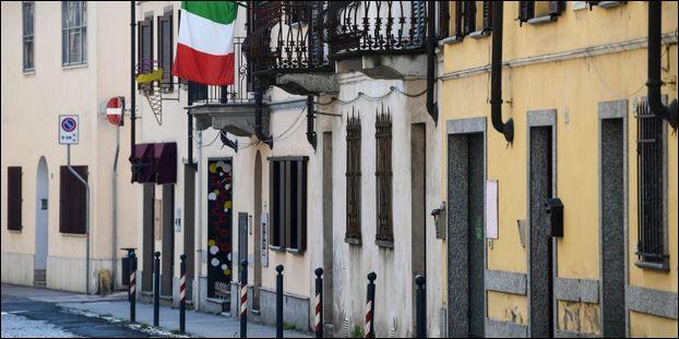 L'Italie gère très mal la situation à cause du taux de mortalité assez élevé dans leur pays.