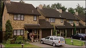 Où vivent les Dursley ?