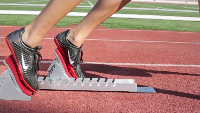 """Quel est le temps de réaction limite sous lequel est déclaré """"faux départ"""" en sprint ?"""