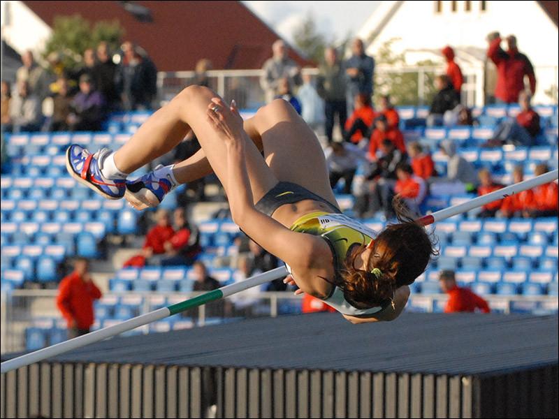 Qui détient le record du monde féminin du saut en hauteur ?