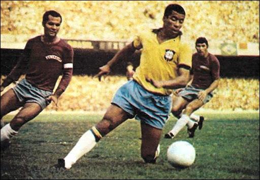 En 1970, quel attaquant réalisa l'incroyable exploit d'inscrire un but dans chaque rencontre de la Seleçao lors de cette Coupe du monde ?