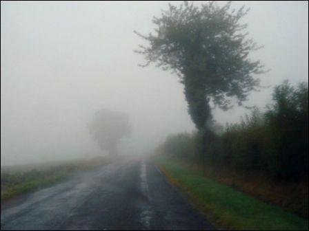 Sur une route départementale, il y a du brouillard, avec une visibilité de 40 métres, je peux rouler à :