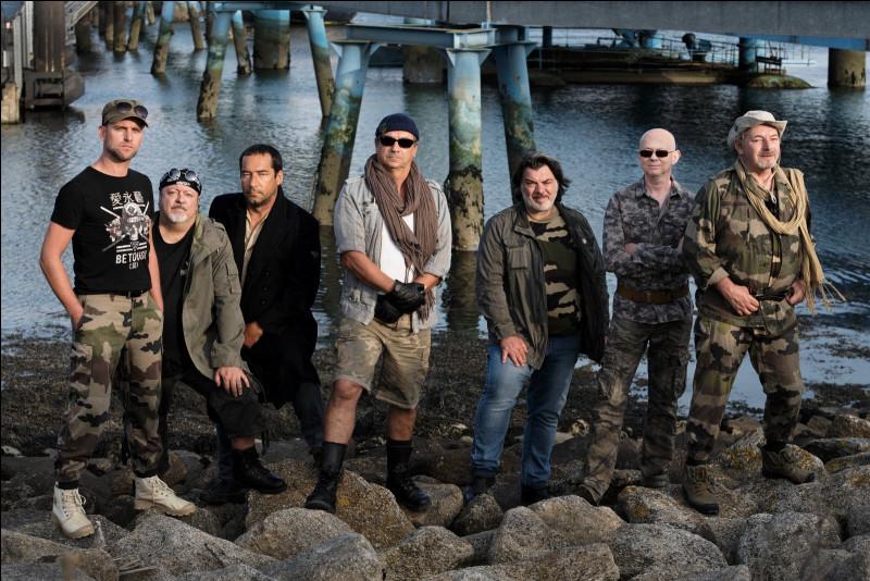 Quel est ce groupe qui a connu le succès grâce à la chanson ''Du rhum, des femmes'' ?