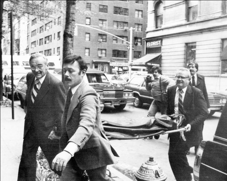 Le 8 décembre 1980, quel ancien membre des Beatles est assassiné à New York par Mark Chapman ?