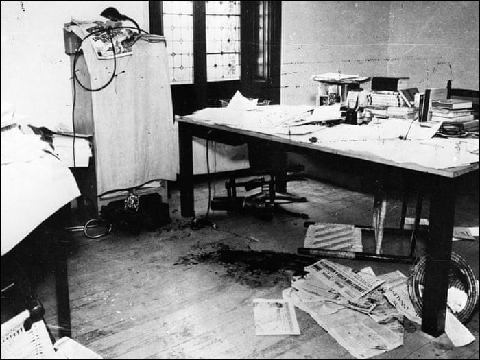 Quel homme politique russe est mortellement blessé le 20 août 1940 à Mexico, d'un coup de piolet à l'arrière du crâne par un agent de Staline ?