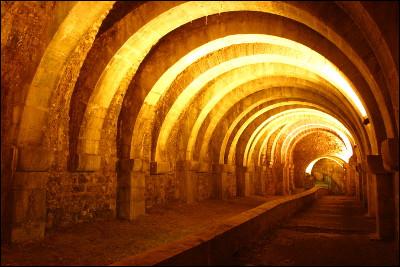 De quelle architecture s'est-on inspiré pour construire la galerie souterraine au XIIIe siècle ?