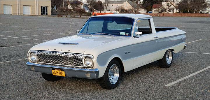 Mélange de véhicules improbables, ce pick-up états-unien est aussi un coupé. Deux géants de Detroit ont utilisé des noms aux consonances hispanophones pour nommer ce type de véhicule. Quel est son nom ?