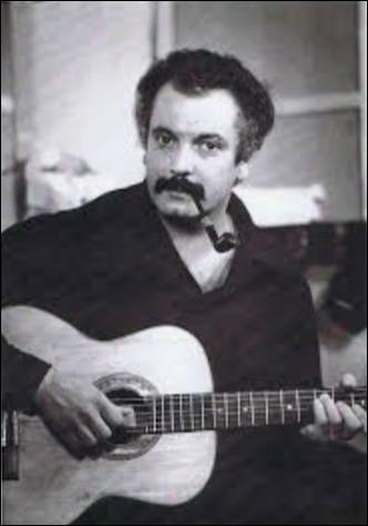 ''Le Vieux Léon'' est une chanson de Georges Brassens. Quel Léon est né avant les autres ?