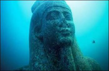 """Quelle mer était appelée par les Égyptiens antiques """"mer verte"""", et par les Romains """"Mare Nostrum"""" ?"""