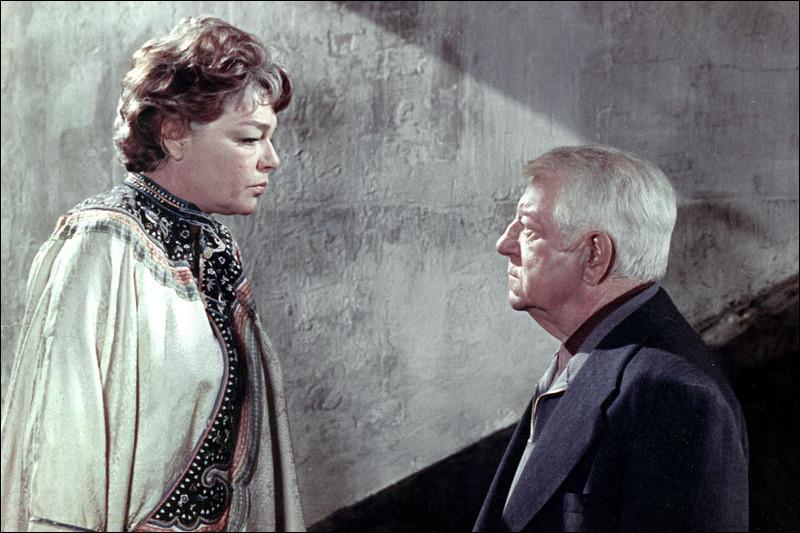 Nous cherchons à présent un film de Pierre Granier-Deferre réunissant Simone Signoret et Jean Gabin. Duquel s'agit-il ?