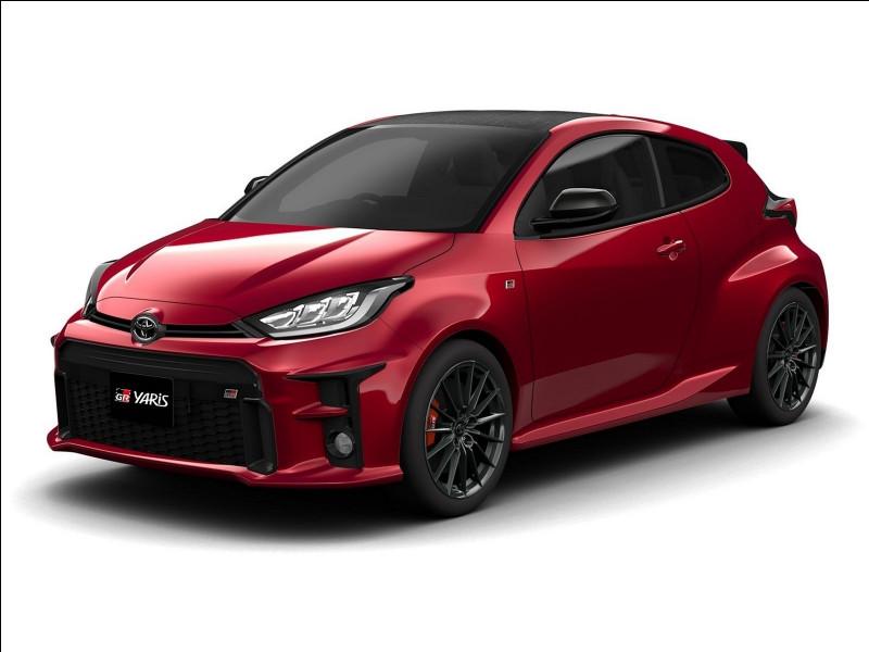 """Depuis peu, les modèles sportifs Toyota, notamment cette version sportive de la Yaris, arborent les lettres """"GR"""". Que signifient-elles ?"""