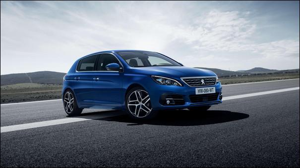 Nouveauté 2014 du constructeur au Lion, ce modèle marque le renouveau du style de la marque. Saurez-vous me nommer cette voiture élue voiture européenne de l'année 2014 ?
