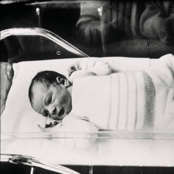 Quel est le prénom du premier ''bébé éprouvette'' de nationalité française ?