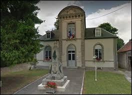 Village-rue du Grand-Est, en Champagne crayeuse, Échemines se situe dans le département ...