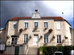 Ville francilienne, dans la Grande-Couronne, Jouars-Pontchartrain se situe dans le département ...