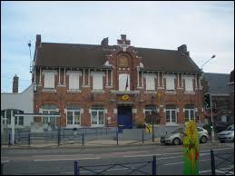 Je vous emmène près de la frontière belge, à La Chapelle-d'Armentières. Ville de la métropole européenne de Lille, elle se situe dans le département ...