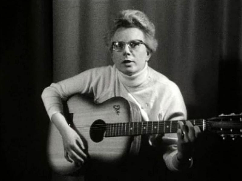 """1962 > Jeanne-Paule Marie Deckers chante un """"Dominique"""" (""""...nique, nique !"""", en belge dans le texte) du feu de Dieu... Elle sera n° 1 des ventes [où donc ?]. Qui est-elle ?"""
