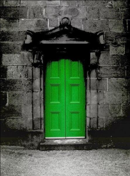 Par quel mélange obtient-on la couleur verte en peinture ?
